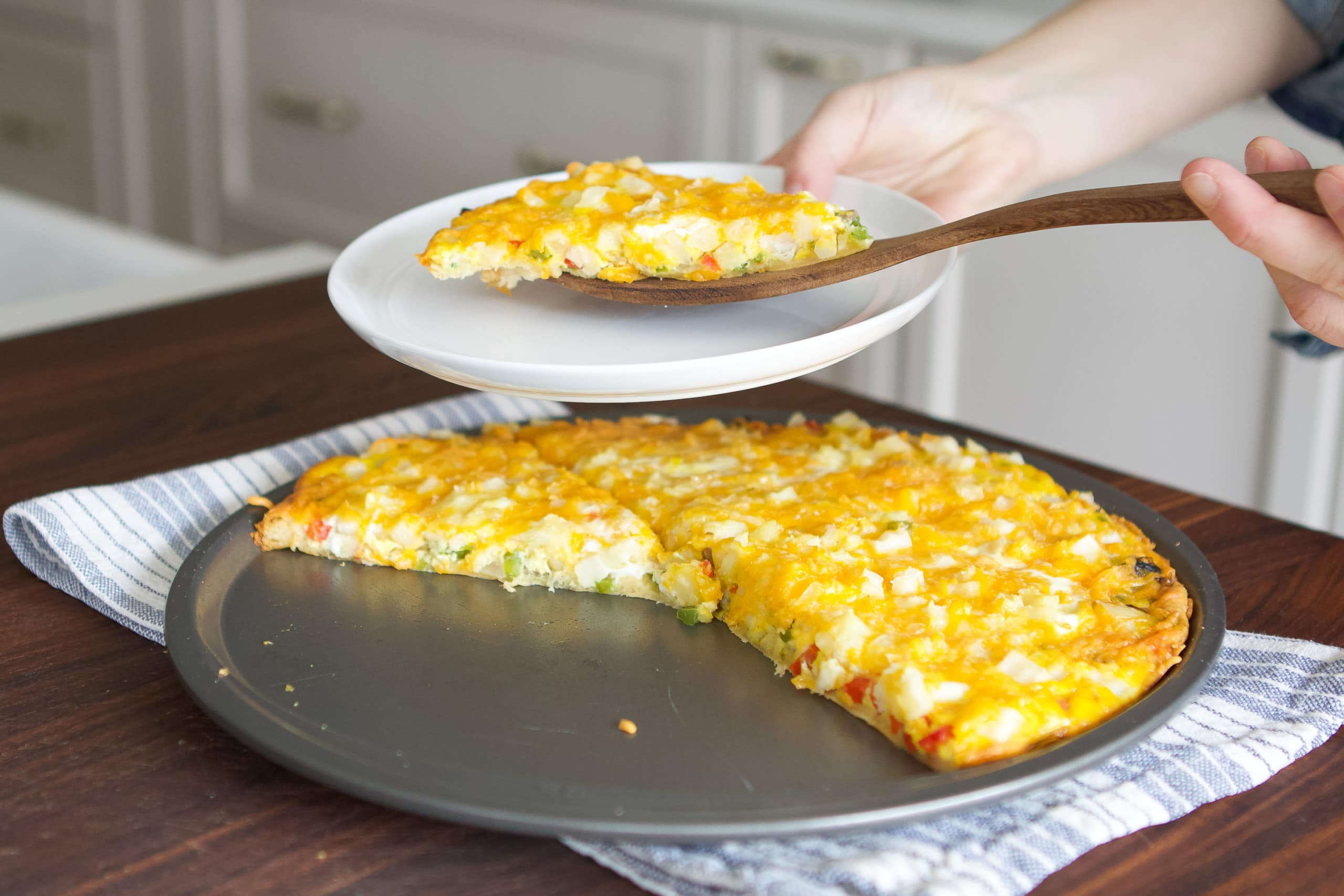 Our family recipe for cheesy breakfast pizza