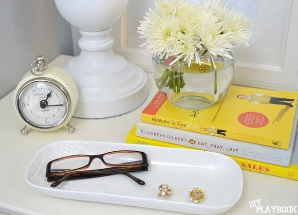 Nightstand-Styling-glasses