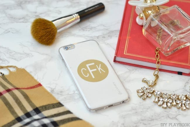 how to make a phone case clear again