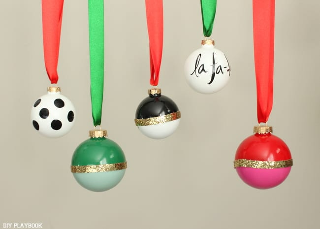 kate spade ornament: DIY Kate Space Ornaments | DIY Playbook