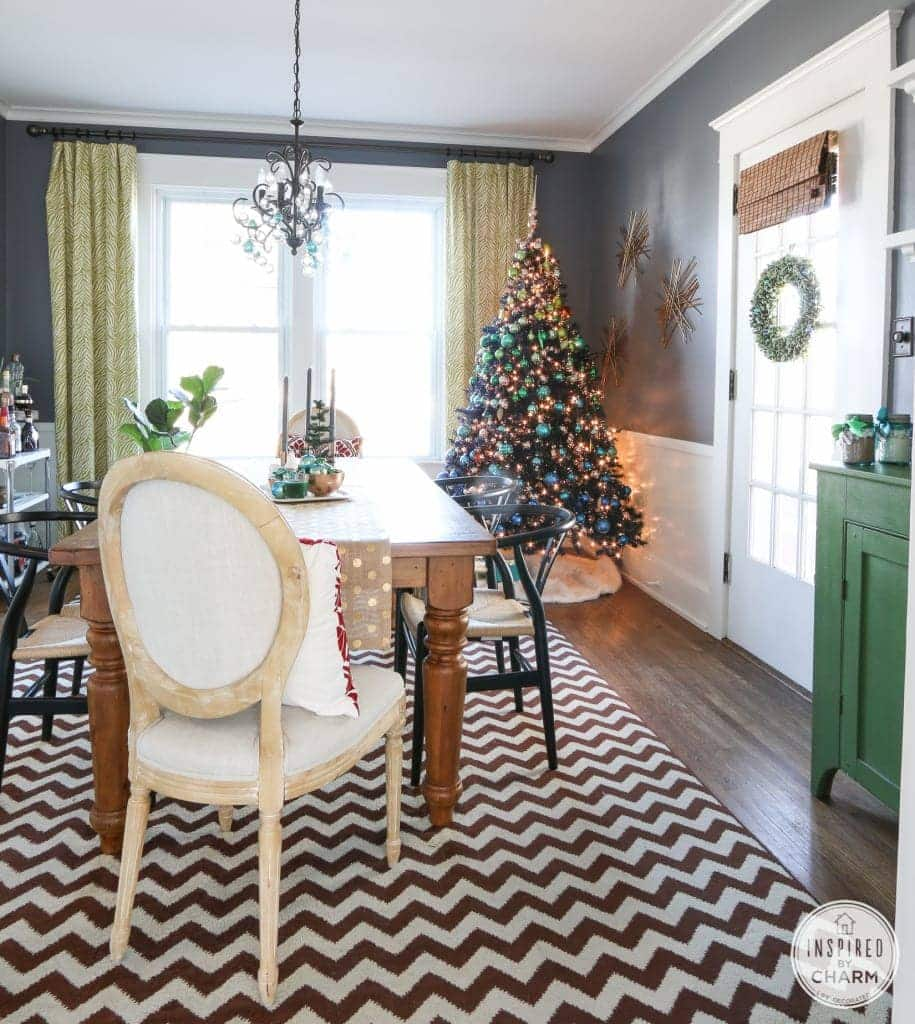 festive-dining-room-decor-915x1024