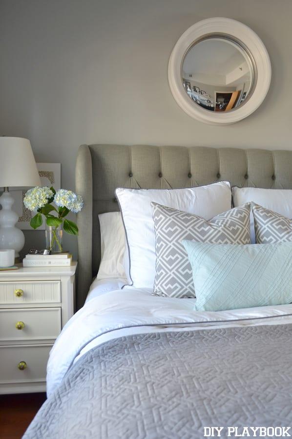 Caseys-Bedroom-Vertical-White-Duvet