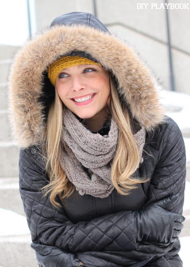 The faux fur detail around the hood of this puffer jacket is cute and stylish.