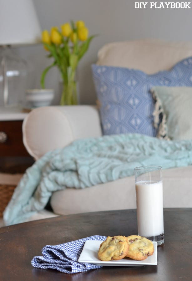 Chocolate-Chip-Cookies-Table