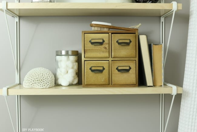Hide shelves: How to Style Your Bathroom Shelves: Easy DIY | DIY Playbook