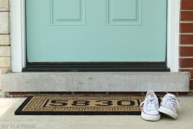 This DIY project is the perfect personalized project to add a creative touch to your front porch