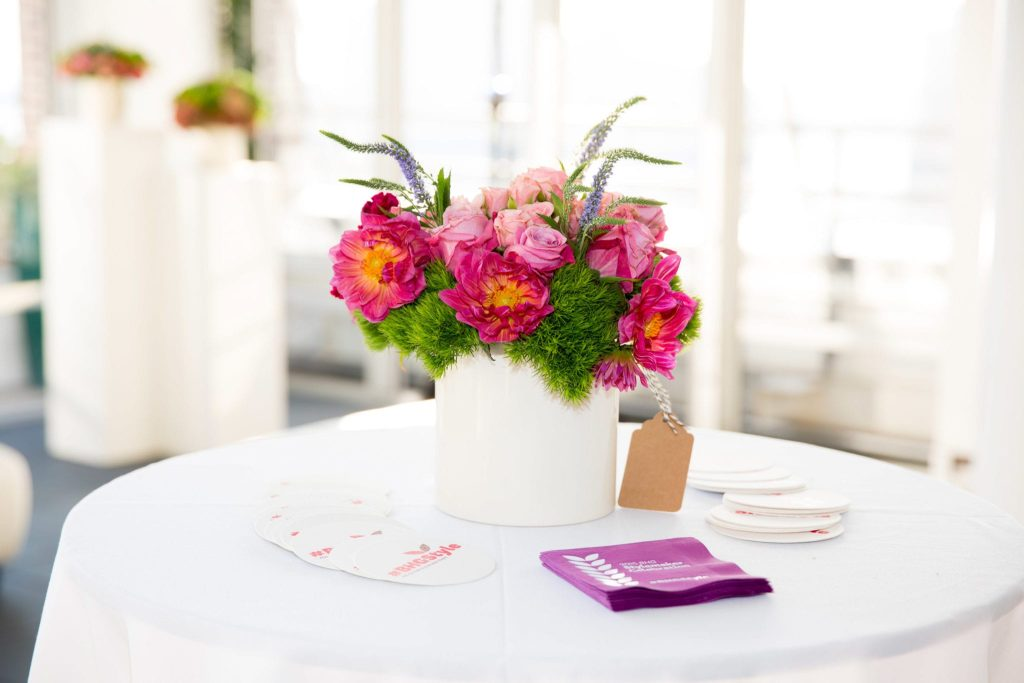 The better homes and gardens event had gorgeous centerpieces and table settings