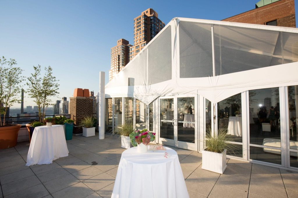 a fun rooftop cocktail hour at the BHG event