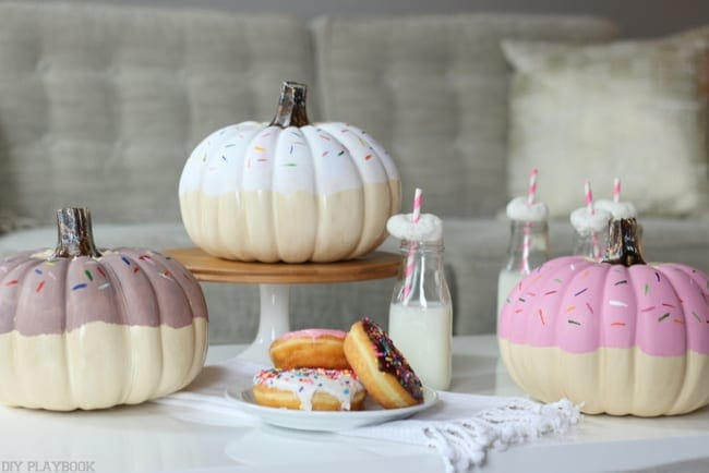 Want your DIY donut pumpkin with chocolate frosting and white icing? We made ours to match the donuts we were serving at our brunch. How cute is this setup?