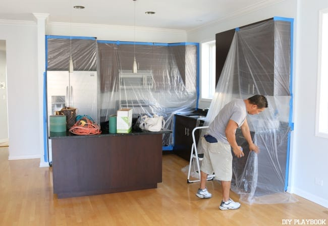 covering-kitchen-with-plastic