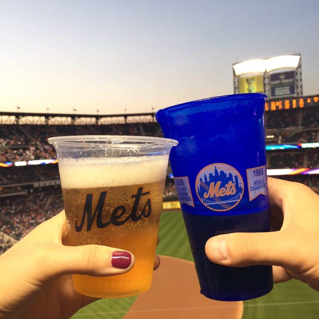 mets-game-beer-baseball-nyc