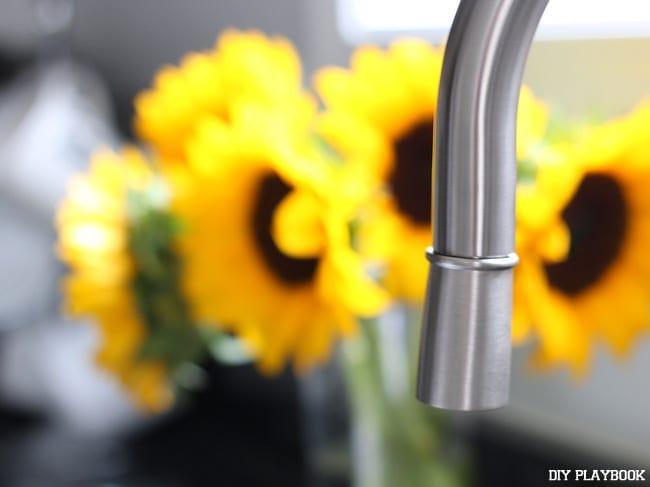 Elverdam-kitchen-faucet