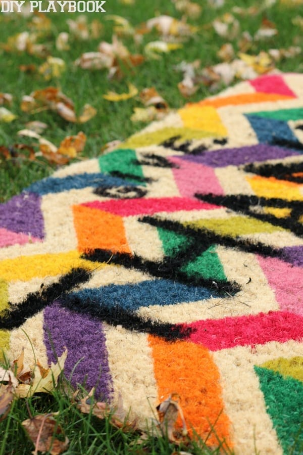 this super easy diy doormat will look great with your fall decor