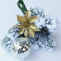 glittery diy mistletoe