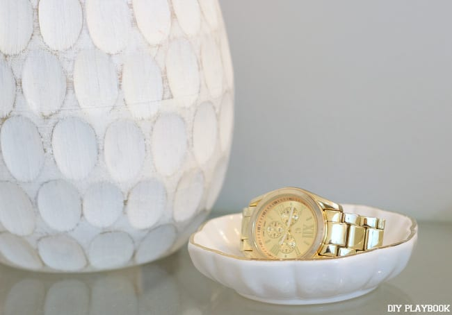 01-gold-watch-jewelry-dish-bathroom