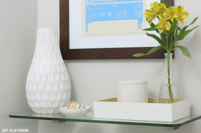 07-bathroom-glass-shelf-accessories
