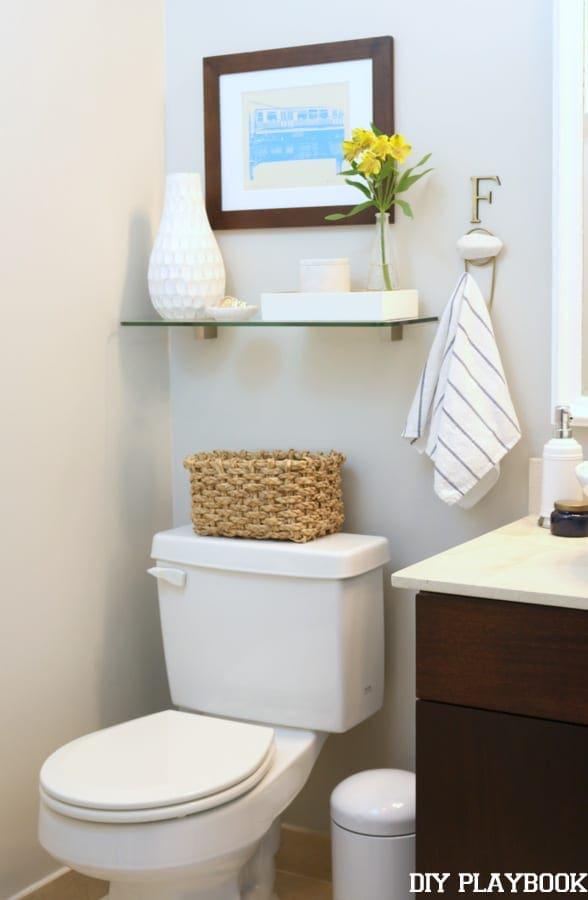 08-guest-bathroom-toilet