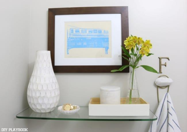 09-bathroom-glass-shelf