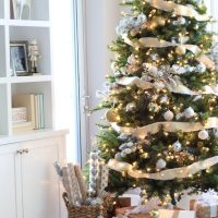 Love our Christmas dream tree with glam accents!