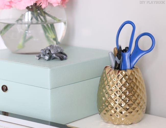08-pineapple-anthropologie-pens-desk