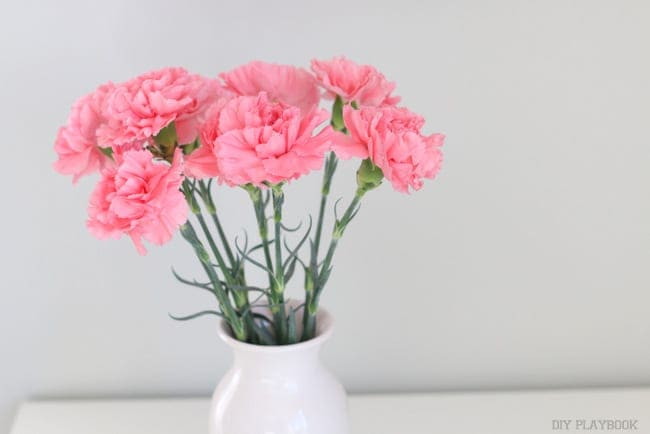 There's a better solution: How to Decorate with Carnations: Tutorial | DIY Playbook