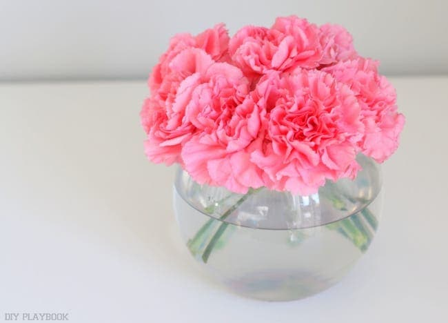 Fan out the flowers: How to Decorate with Carnations: Tutorial | DIY Playbook