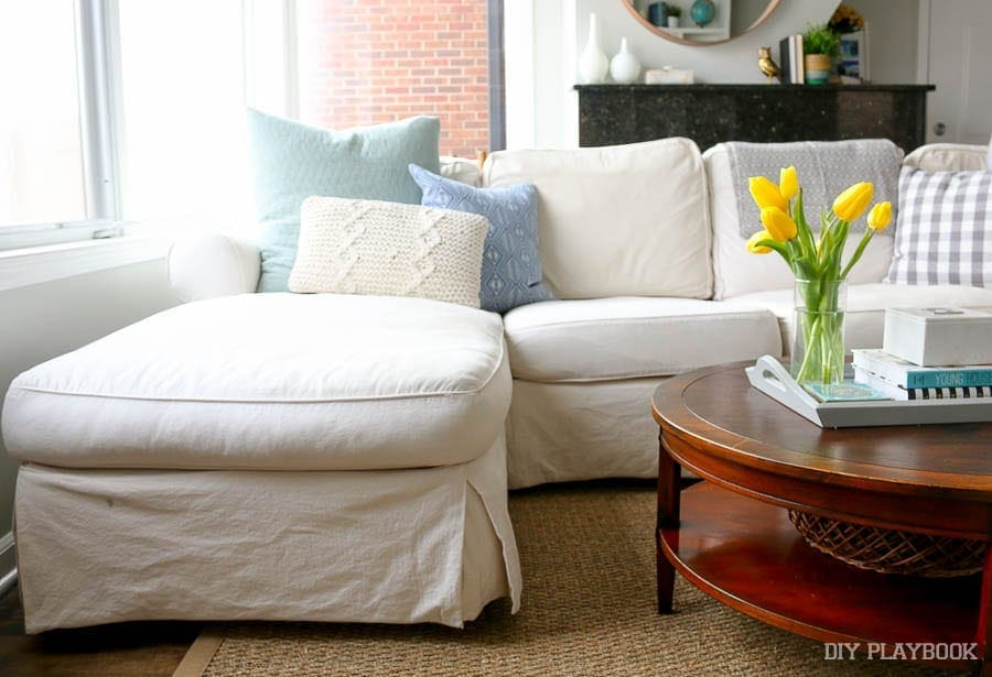 white-couch-chaise-family-room