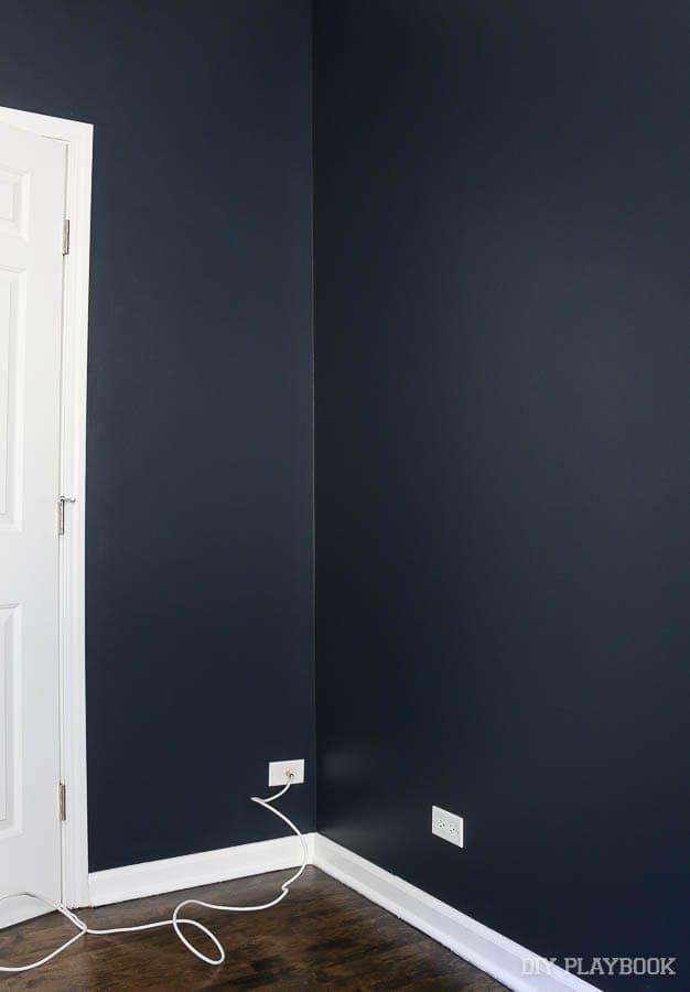 corner-guest-room-paint