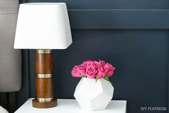 roses-flowers-nightstand