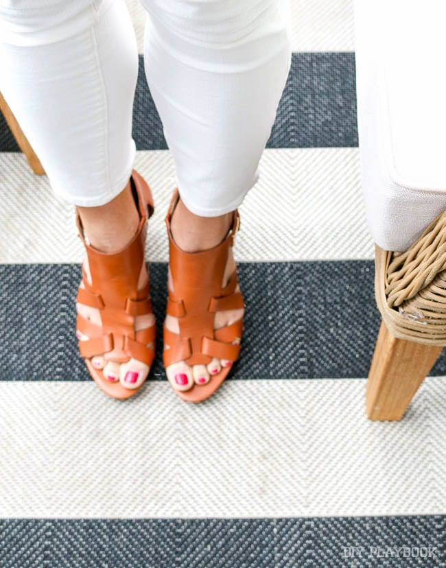 Don't you love this leather sandals?