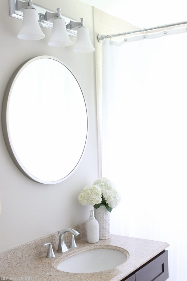 Choosing A Round Mirror For The Bathroom
