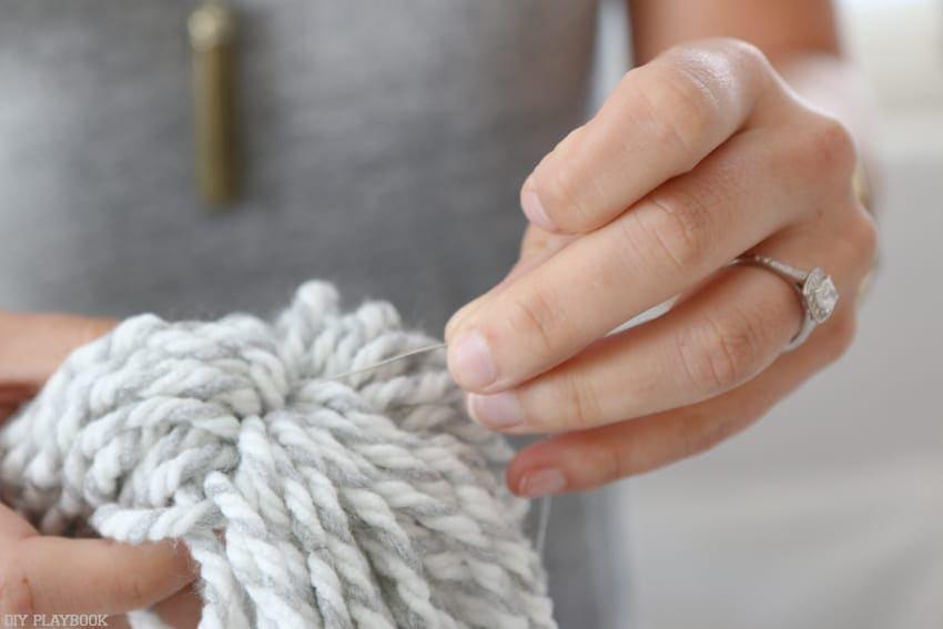 diy_tassel_pillow_tutorial-14