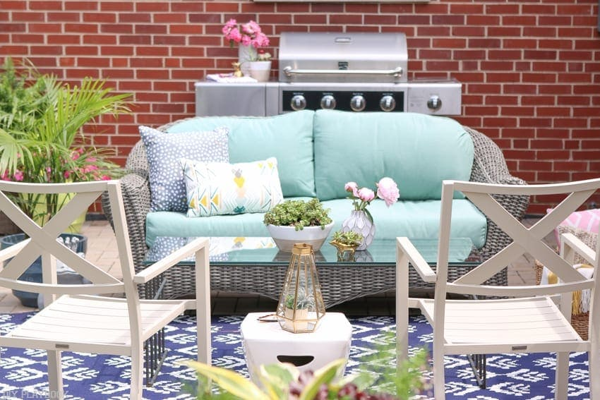 Bridget_Patio_Furniture_flowers_plants 5