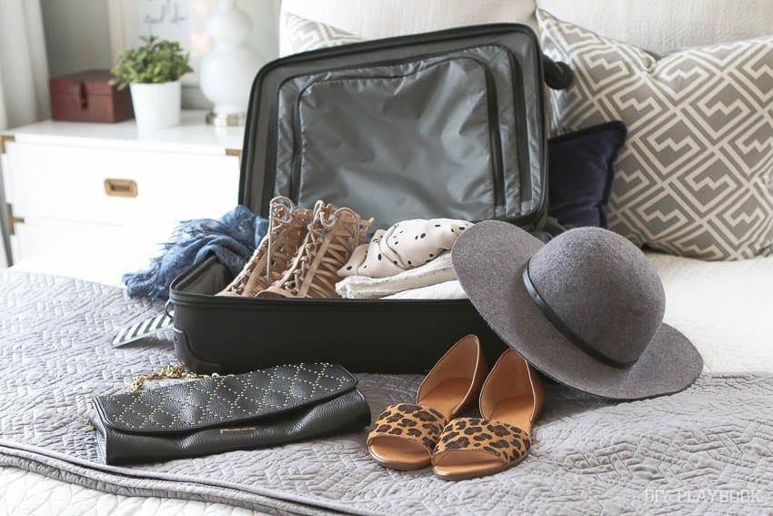 zazzle-travel-tags-suitcase