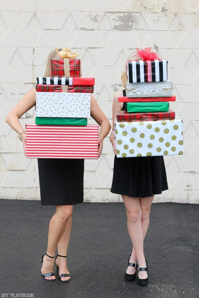 2016-DIY-Playbook-Christmas-Card-wrapped-gifts