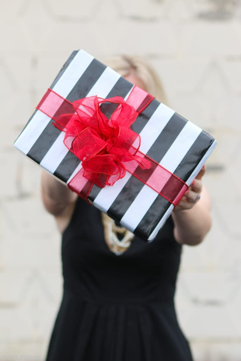 Holiday Gift Guide: Don't forget to wrap your gift | DIY Playbook