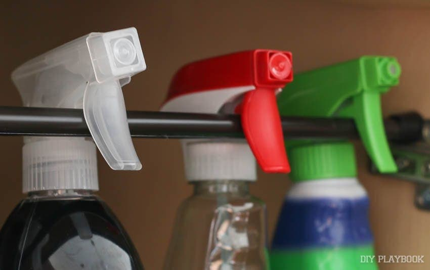 spray-bottles-rod-kitchen