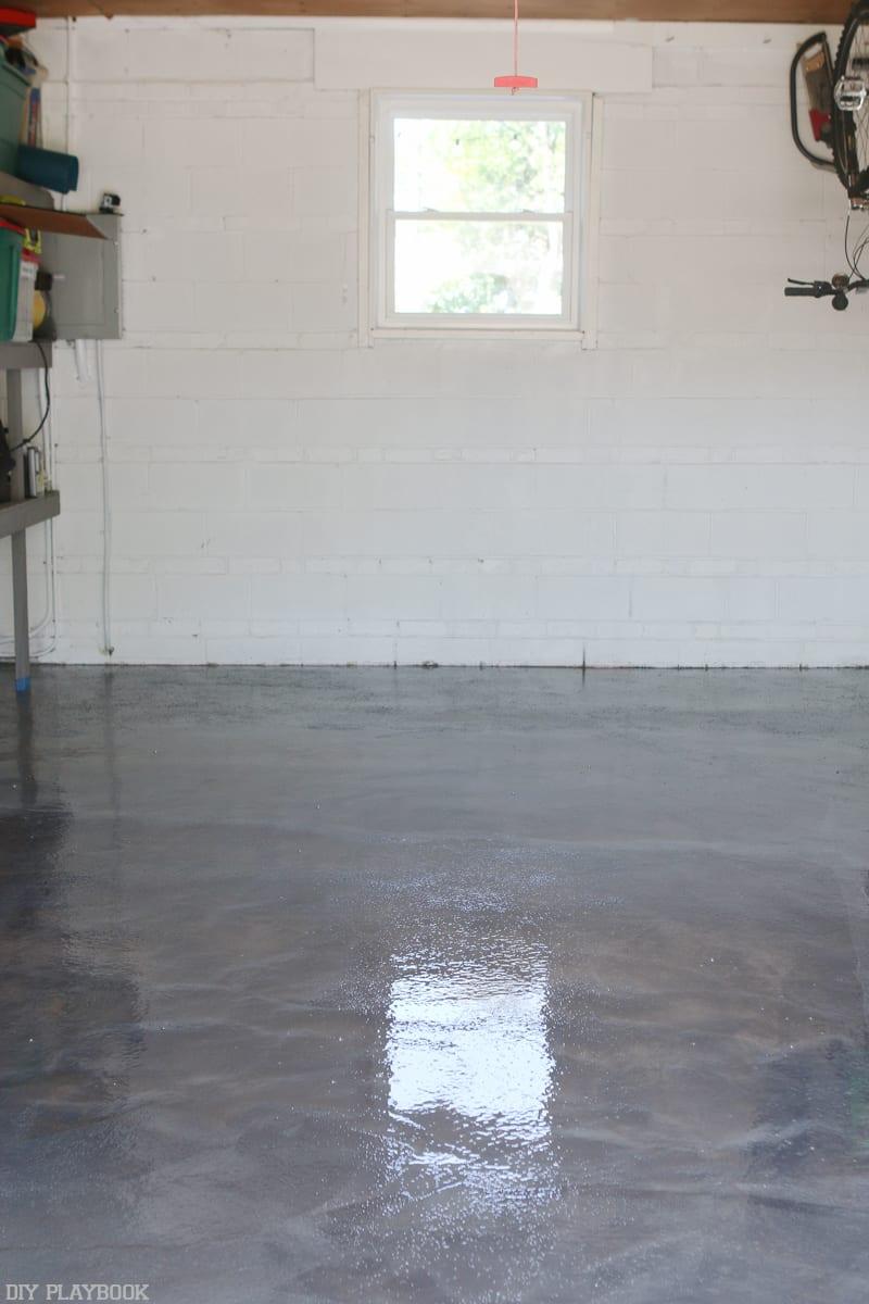 diy-garage-epoxy-rustoleum-after-vertical