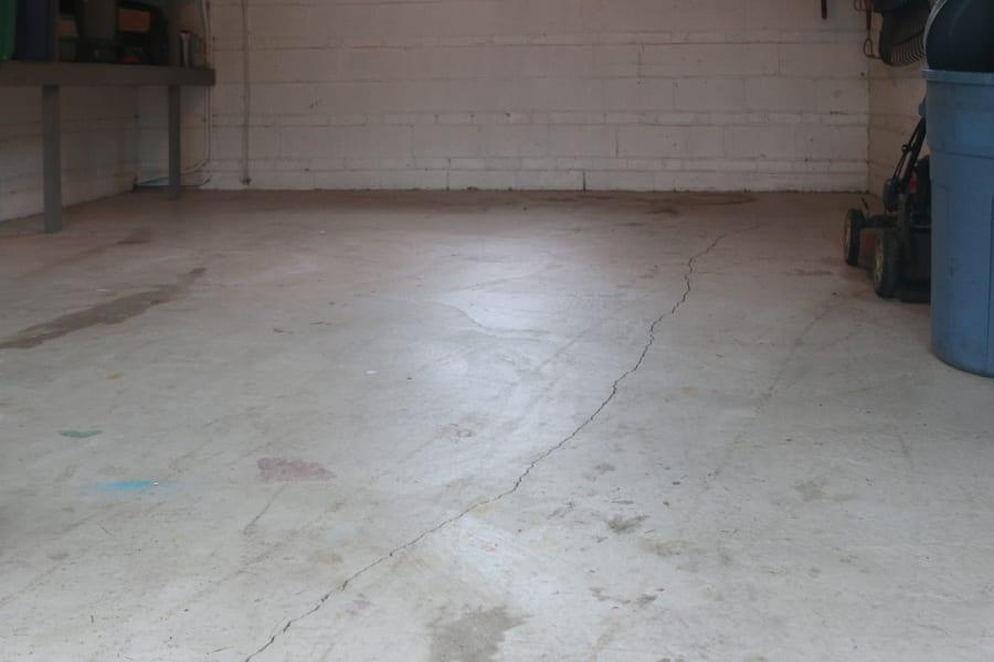 diy-garage-epoxy-rustoleum-before-dark