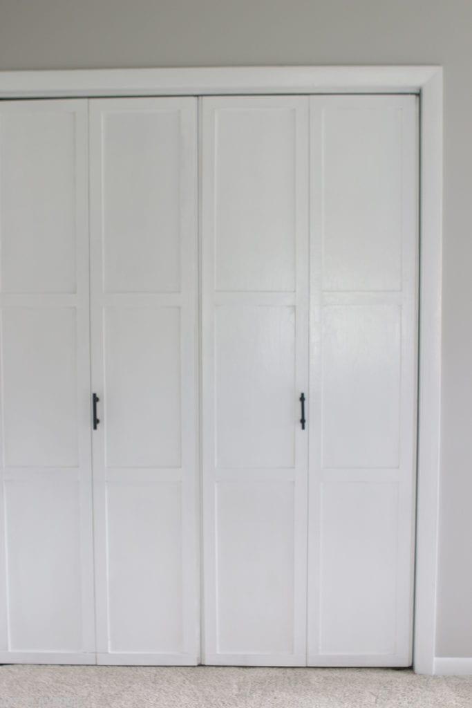 lowes-makeover-bedroom-reveal-closet-doors-vertical