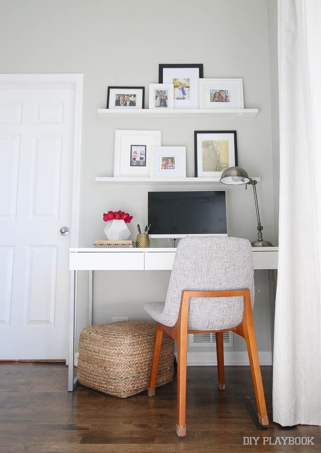 How to add a desk area and office to your small bedroom - Desks for small rooms ...