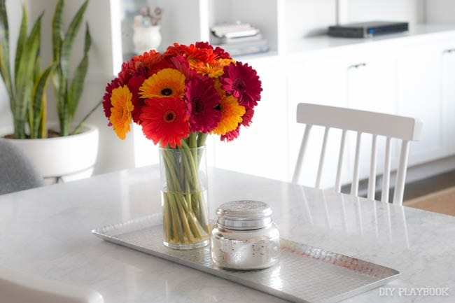 Our new favorite monthly subscription service fresh flowers for Flowers for dining room table