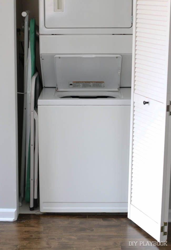laundry-closet-before