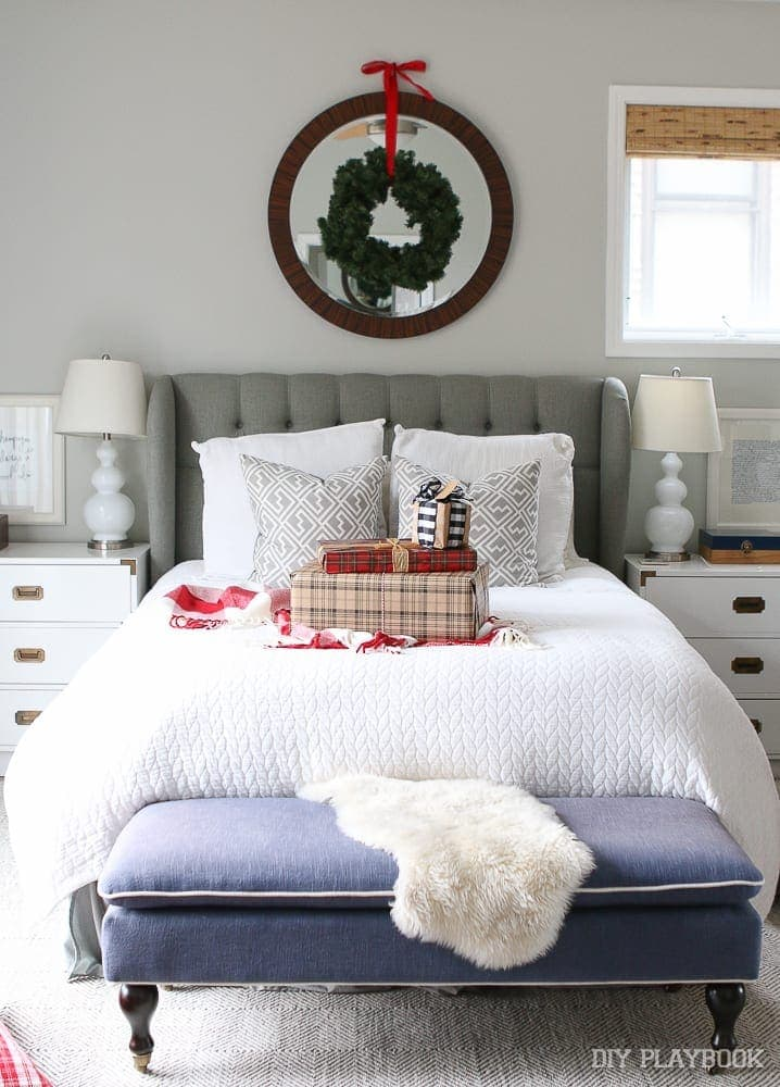 bedroom-christmas-decor-holiday