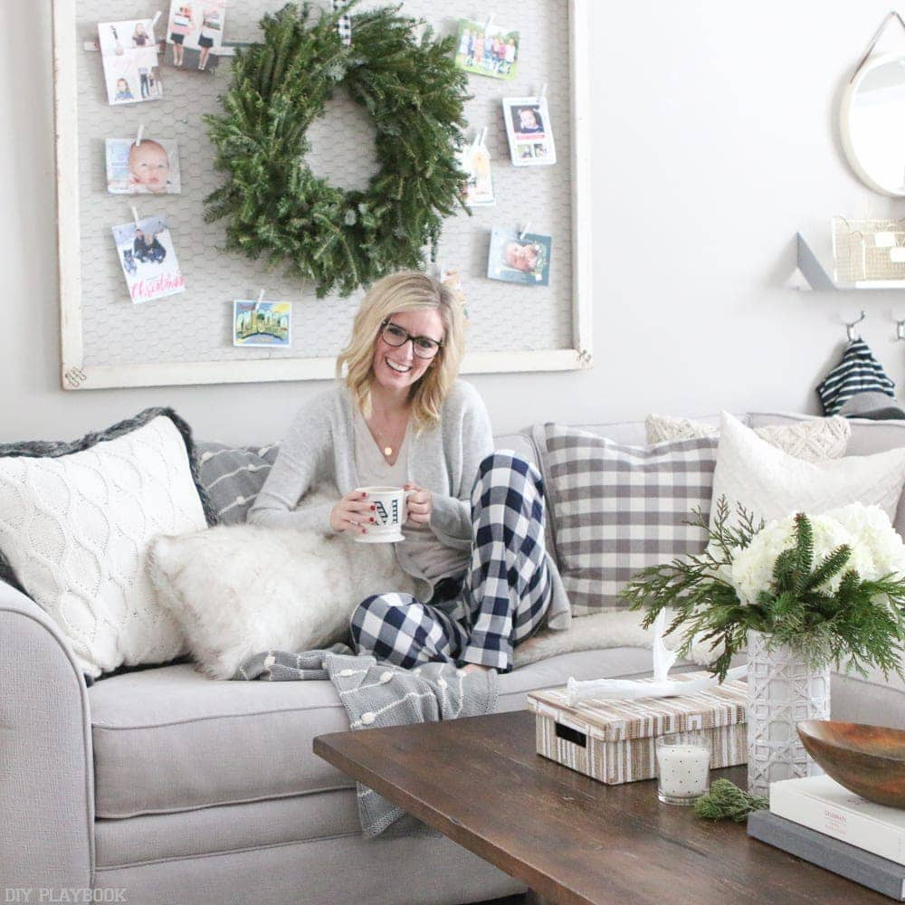 bridget-blogger-stylin-home-tour-christmas