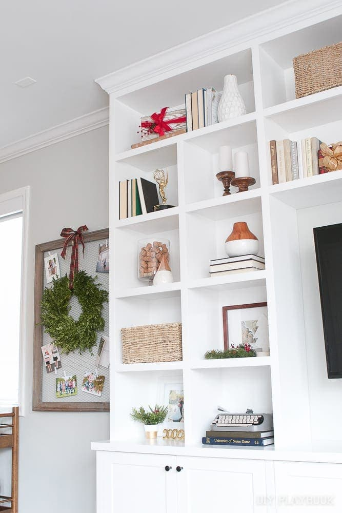 How to Decorate your Built-In Shelves for the Holiday Season