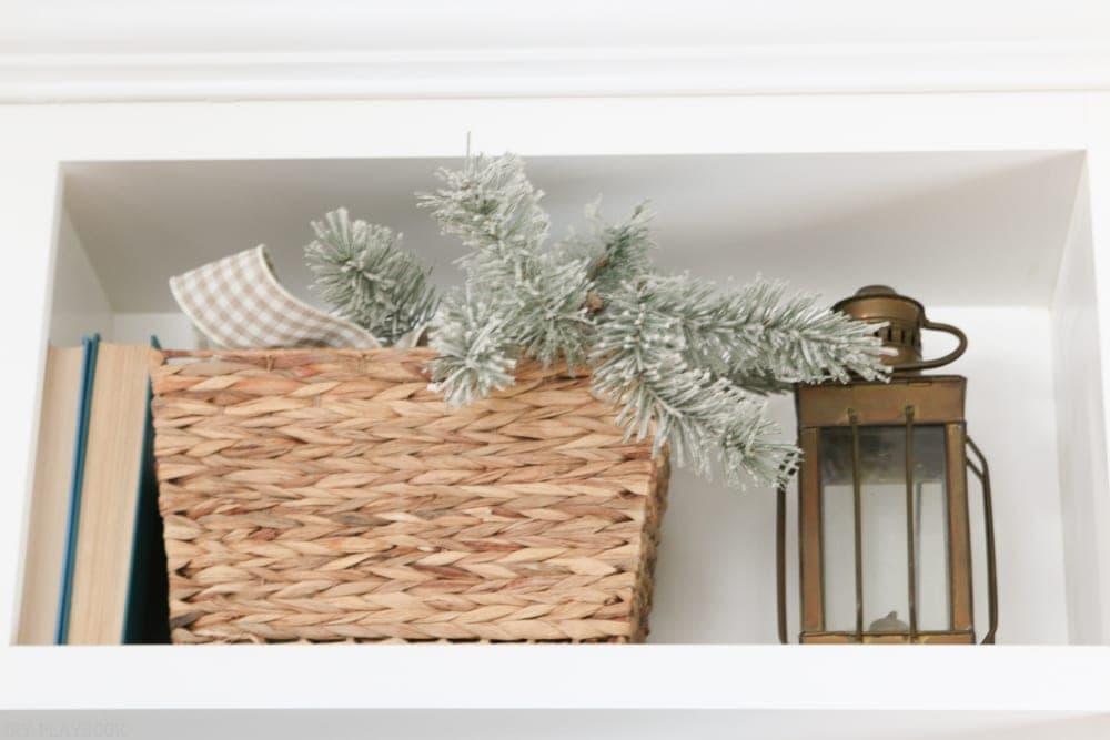 christmas-built-in-basket