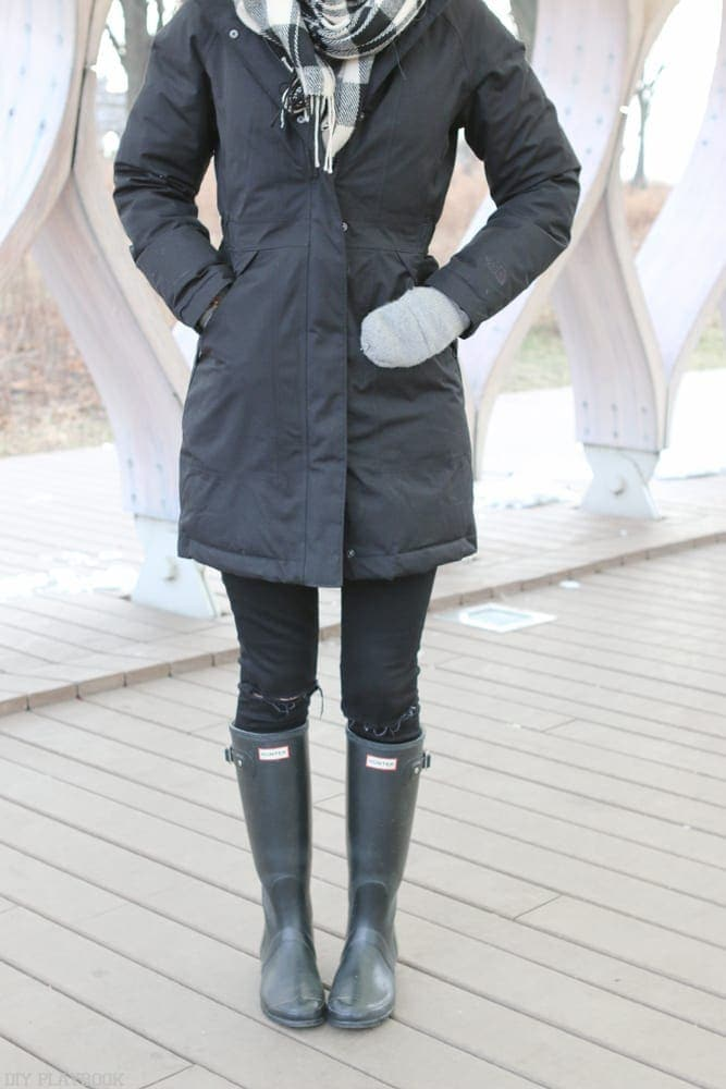 northface-winter-parka-boots