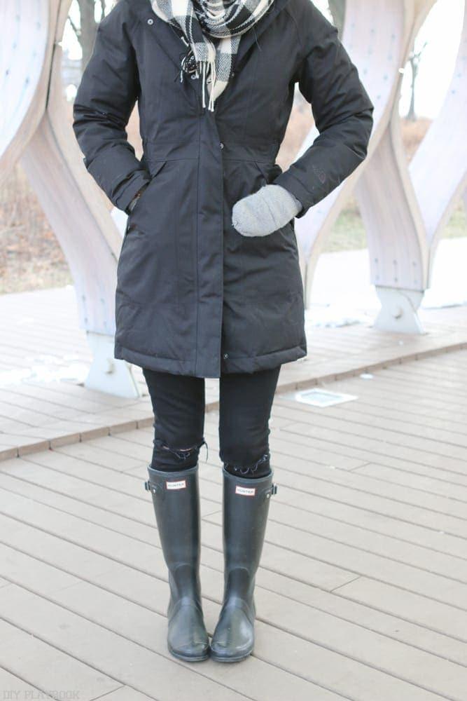 northface-winter-parka-boots