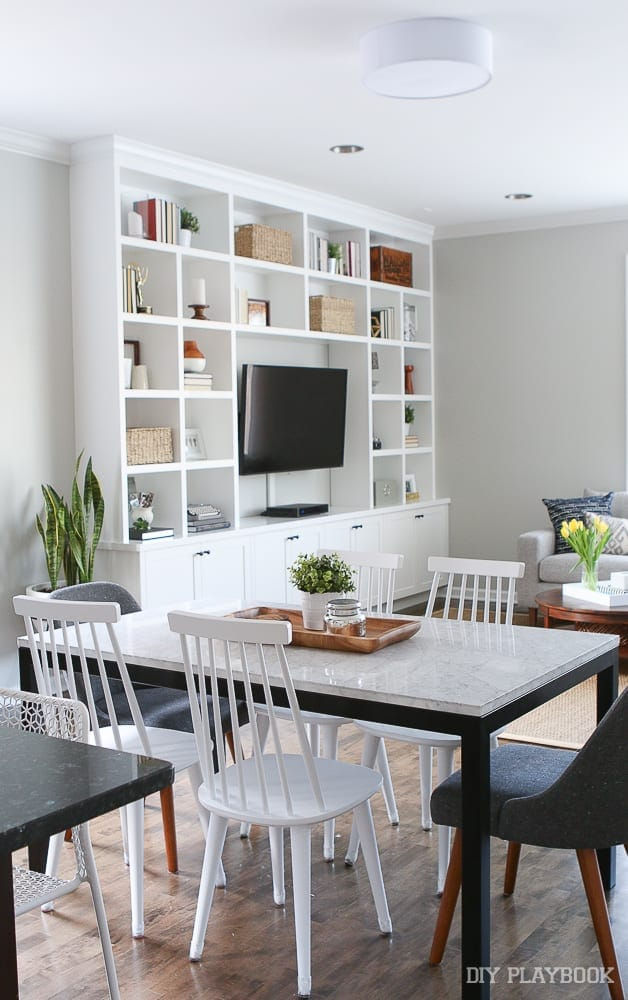 built-in-dining-room